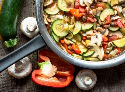 10 przepisów na lekkie i pożywne dania wegetariańskie