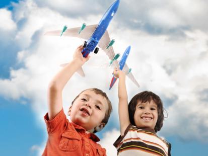 10 rad na temat latania samolotem z dzieckiem!