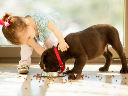 10 sposobów, jak nauczyć dziecko szacunku do roślin i zwierząt