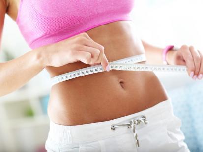 10 trików, dzięki którym brzuch nie będzie gruby! Wypróbuj koniecznie!