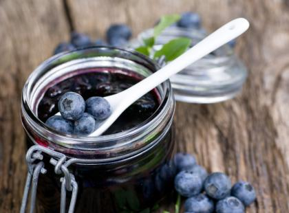 11 przepisów na przetwory z jagód
