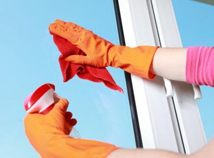 12 kwietnia to Dzień Czystych Okien - jak szybko umyć okna?