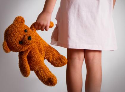 12-latka popełniła samobójstwo. Dlaczego? Bo zgłoszenie gwałtu w małej miejscowości to jak wyrok