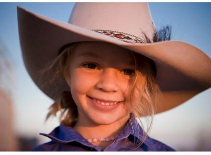 14-letnia modelka popełniła samobójstwo, bo szykanowano ją w internecie. Jej ojciec zaprosił hejterów na pogrzeb
