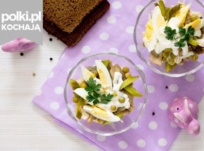 16 przepisów na wielkanocne sałatki