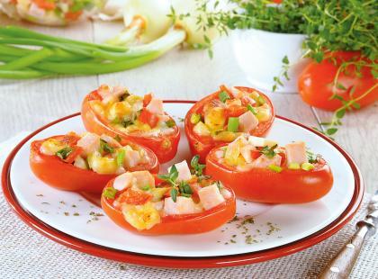 25 przepisów na inspirujące dania z pomidorem