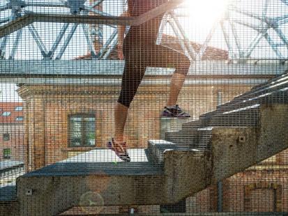 3 propozycje treningu kardio na... schodach!