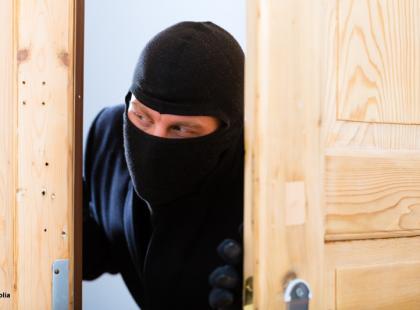 3 skuteczne triki - jak ochronić mieszkanie przed włamaniem