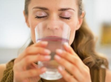 3 sposoby na poprawienie jakości wody w domu