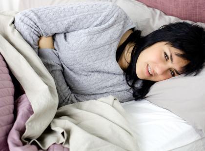 4 mity na temat bólu brzucha podczas okresu!