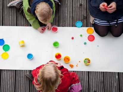 5 edukacyjnych zabaw ze smykiem