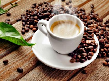 5 korzyści wynikających z picia kawy w pracy
