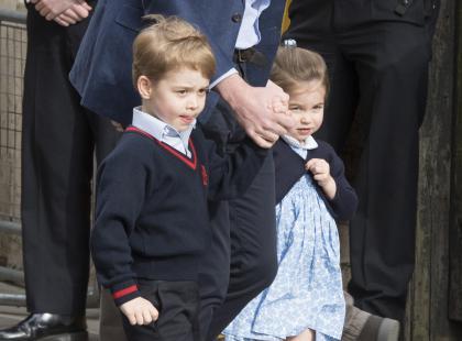5-letni książę George dopełnił królewskiej tradycji. I jest skandal!