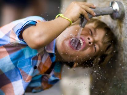5 najlepszych napojów dla dziecka na upały!