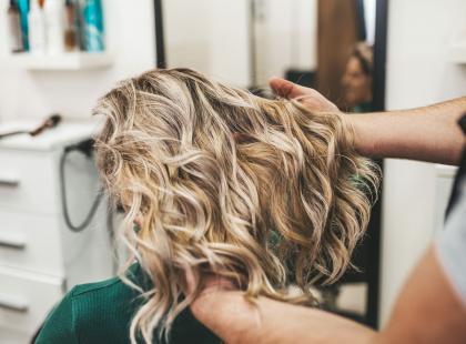 5 najważniejszych trendów w koloryzacji włosów na lato 2019