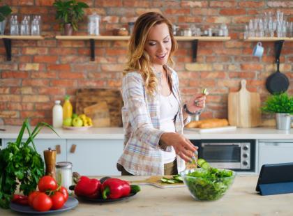 5 największych błędów, które popełniasz gotując dietetyczne posiłki. Rozważania dietetyka