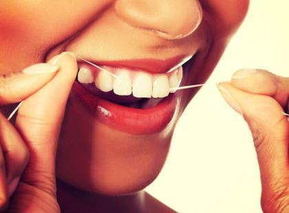 5 nietypowych zastosowań nici dentystycznej w domu