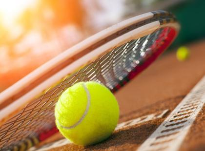 5 nietypowych zastosowań piłeczki tenisowej w domu