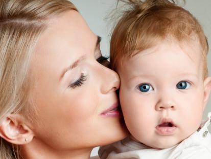 5 pomysłów na noworoczny prezent dla młodej mamy