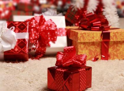 5 porad, jak pakować prezenty