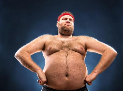 """5 poważnych powikłań, którymi grozi """"piwny brzuch"""""""