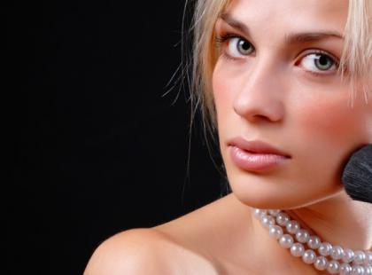 5 sekretów makijażu wrażliwej cery