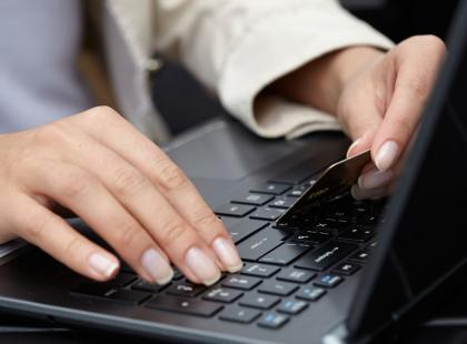 5 sposobów, jak przetrwać 8 godzin za biurkiem