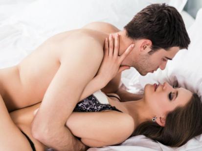 5 szalonych pomysłów na podgrzanie atmosfery w łóżku