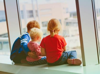 """500 plus to za mało? Rząd chce dla matek emerytur za trójkę dzieci. ,,To premia za ich posiadanie"""""""