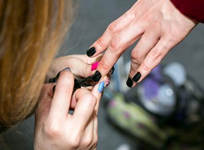6 banalnie łatwych i pięknych pomysłów na jesienny manicure