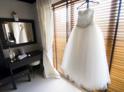 6 pomysłów na to, co zrobić z suknią ślubną po weselu