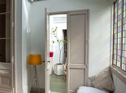 6 porad, jak urządzićmieszkanie w paryskim stylu