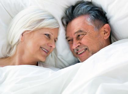 """6 prostych rzeczy, które warto zrobić dziś, żeby na emeryturze uprawiać seks zamiast oglądać """"Klan"""""""