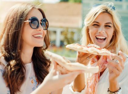 6 prostych sztuczek, dzięki którym będziesz jadła mniej
