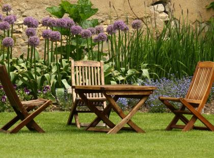 6 rad, które pomogą ci kupić najepszy zestaw mebli ogrodowych