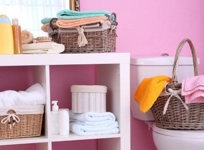 6 trików, by zaoszczędzić miejsce w ciasnej łazience