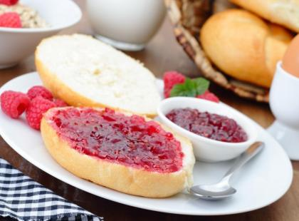 69% Polaków na śniadanie je kanapki