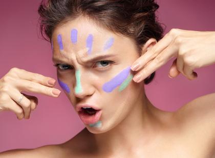 7 najlepszych baz matujących do twarzy. Ceny zaczynają się od 19 zł