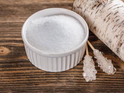 7 powodów, dla których warto zamienić biały cukier na ksylitol