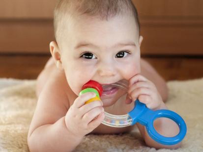 7 rzeczy, które najbardziej szkodzą ząbkom dziecka