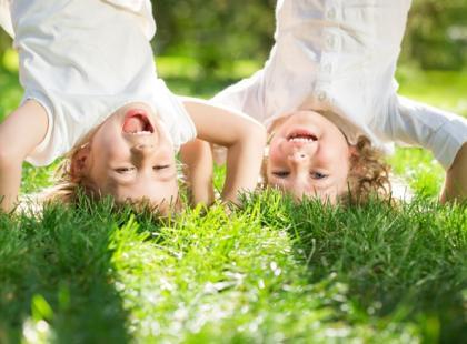 7 sposobów na to, jak usunąć plamy z trawy!