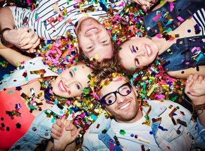 7 trików na szybkie posprzątanie po imprezie