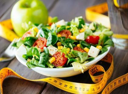 8 dietetycznych pomysłów na sylwestrowe sałatki