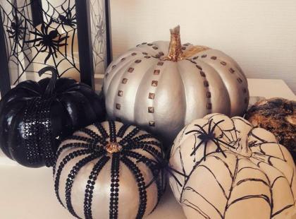 8 pomysłów na udekorowanie halloweenowej dyni bez... wycinania