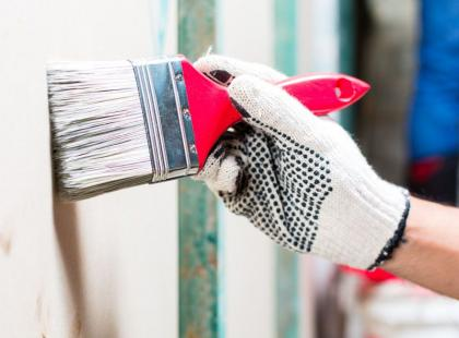 8 porad, dzięki którym malowanie ścian będzie szybkie i bezproblemowe
