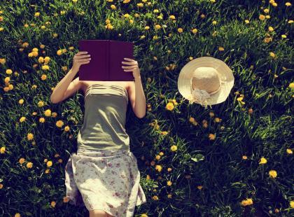 8 tytułów książek, których nie możesz przegapić. Poznaj ich autorów już pod koniec maja!
