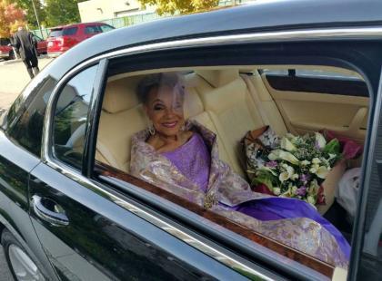 86-letnia panna młoda podbija świat! Wygląda oszałamiająco, a do tego prowadzi bardzo aktywne życie internetowe