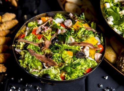 9 przepisów na dania z dodatkiem filecików anchois