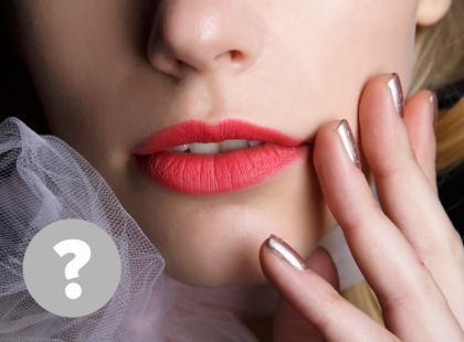 9 rzeczy, które zrozumie jedynie kobieta używająca (każdego dnia) szminki