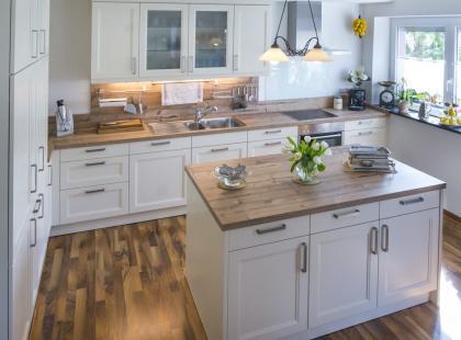 9 sposobów na rustykalną kuchnię. W bloku też możesz mieć taką